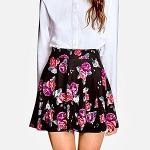 🌺 NWOT Floral Skater Skirt